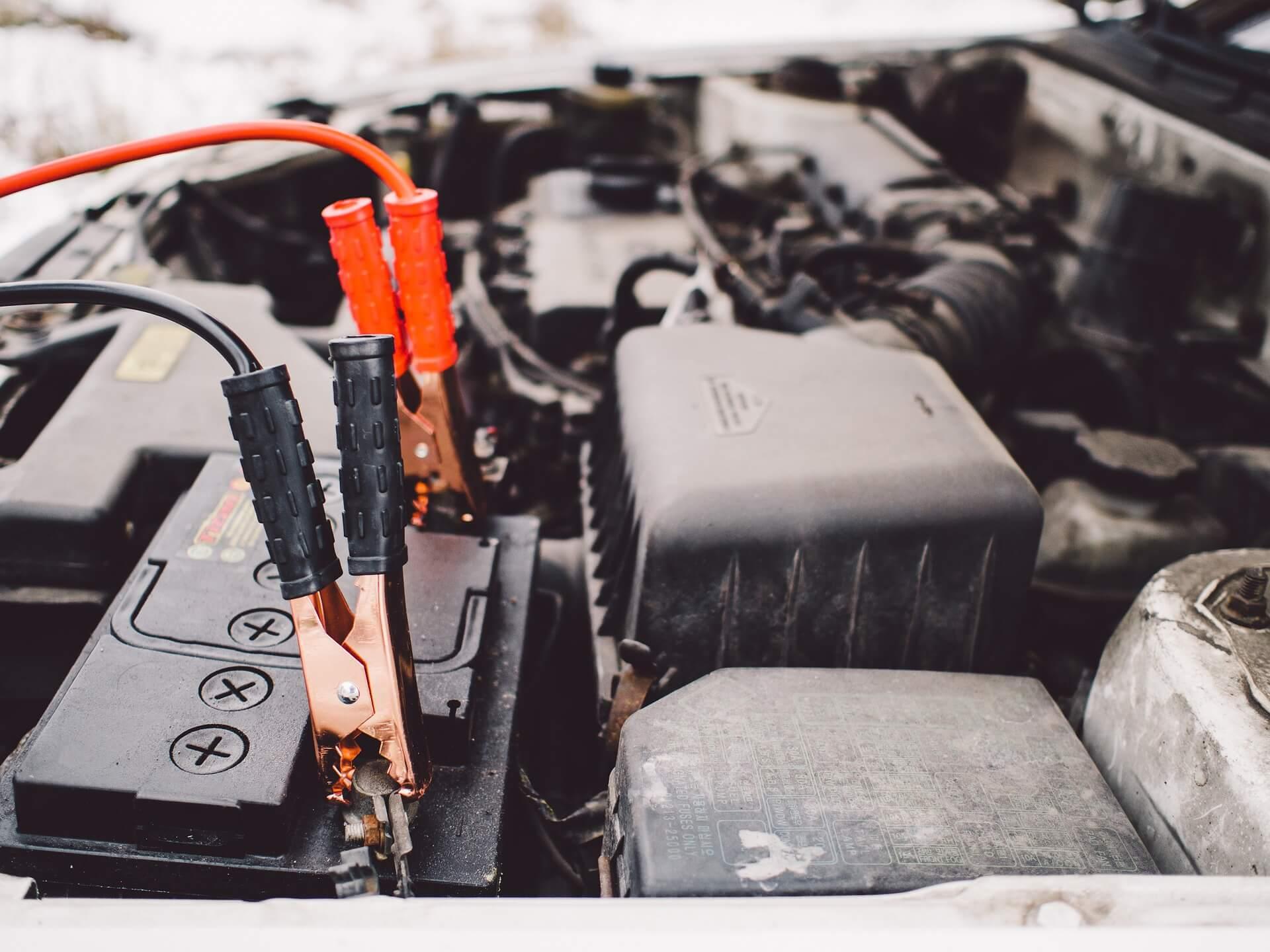 Sinais da Bateria de Carro com Problemas